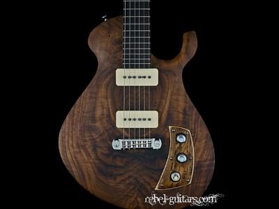 malinoski-guitar-howlin-moon