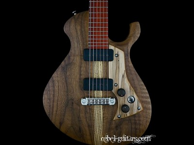 Malinoski-guitar-howlin-moon-152