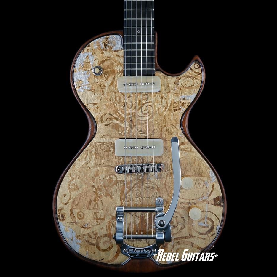 Spalt-Vienna-Goldtop-Guitar-Totem