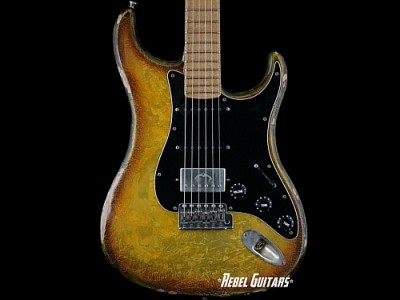 scala-backbone-desert-burst-guitar