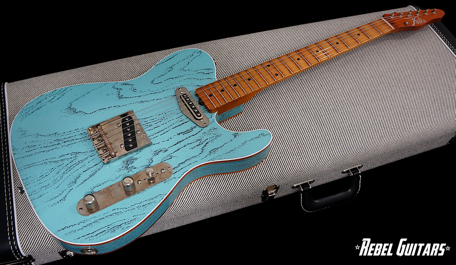 palir-titan-daphne-blue-guitar-1