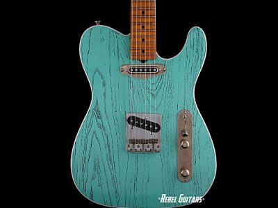 palir-guitars-titan-seafoam-green