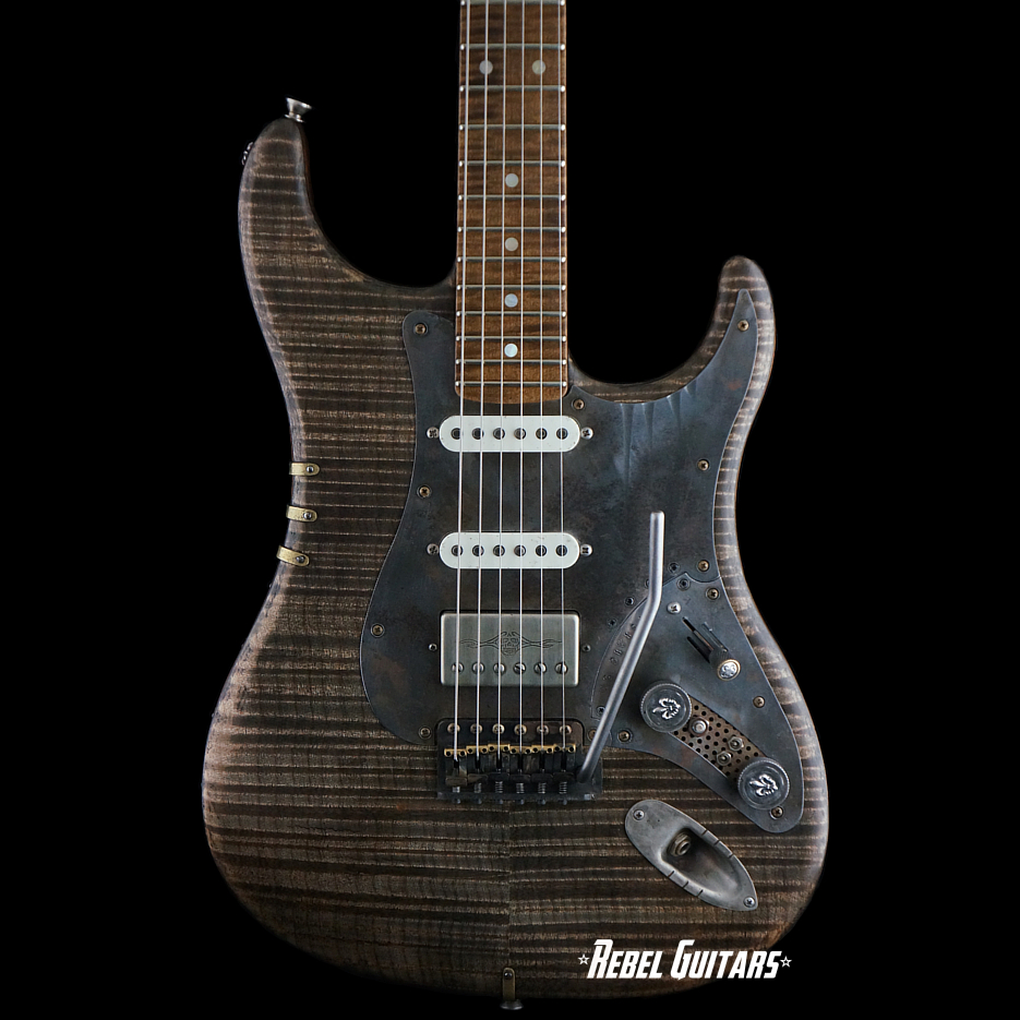 scala-guitars-dr-flameheart-decadent