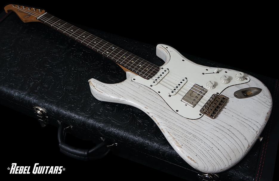 scala-guitar-white-wash-backbone