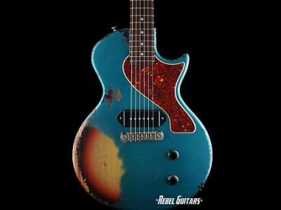 thunders-guitar-ocean-turquoise-over-sunburst