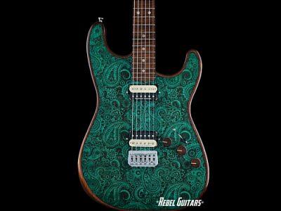 walla-turquoise-paisley-seeker-guitar