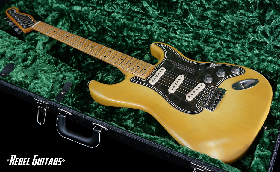 trussart-steelguardcaster-guitar-yellow-935
