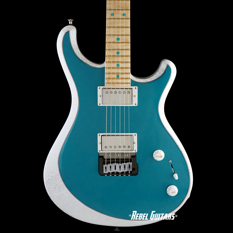 knaggs-trembuck-aqua-metallic-white