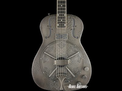 trussart-silver-antique-resonator