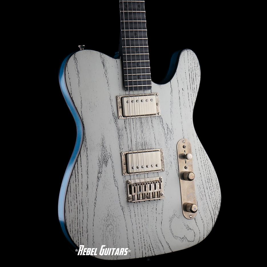 palir-white-blue-mojo-titan-guitar-2