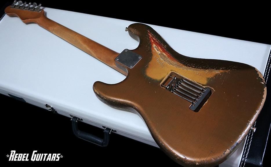 rock-n-roll-relics-blackmore-gold-over-burst-935-1