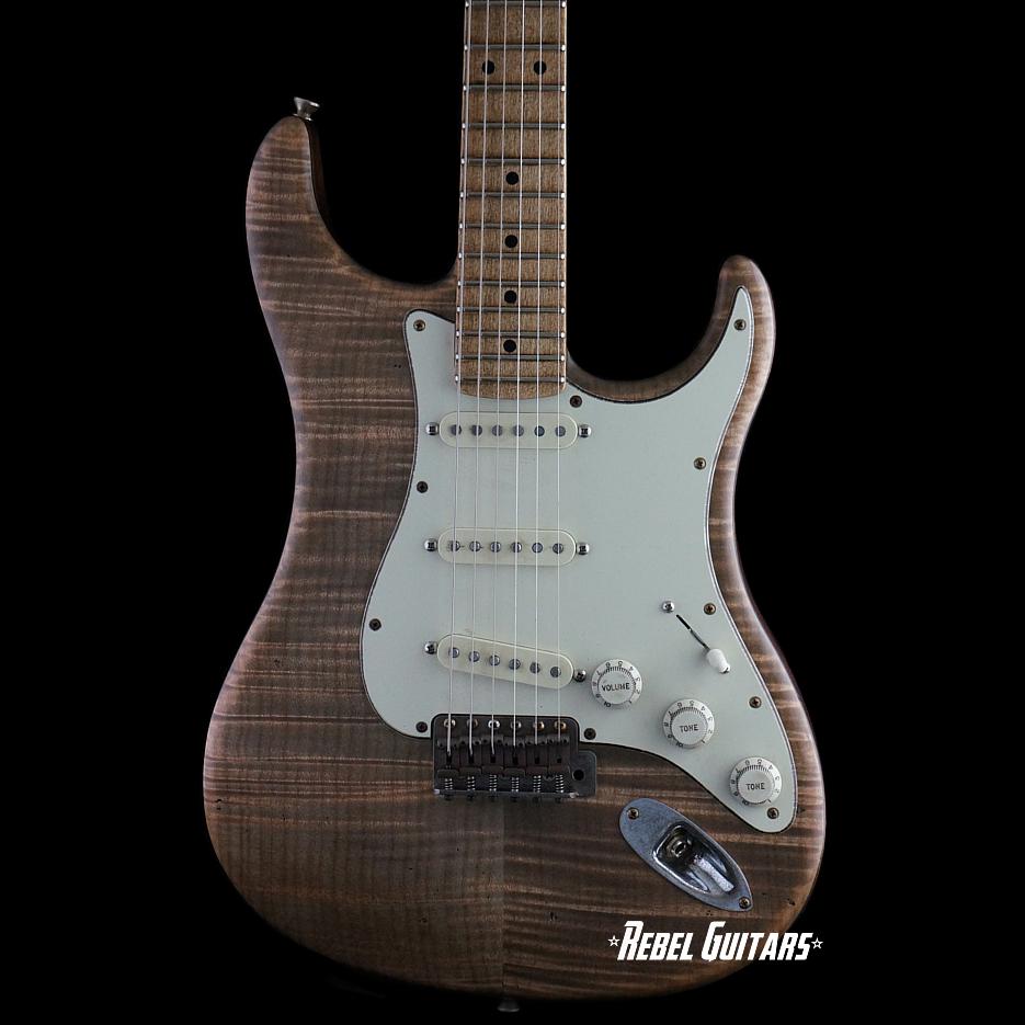 scala-guitars-flameheart-classic-junkyard-1