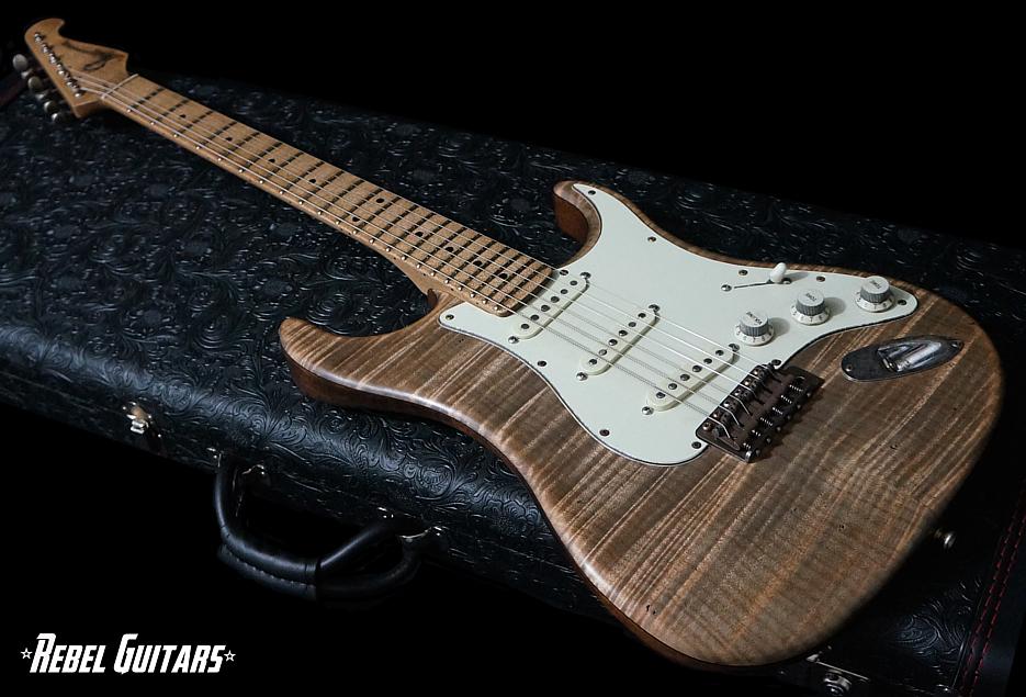 scala-guitars-flameheart-classic-junkyard-935-1