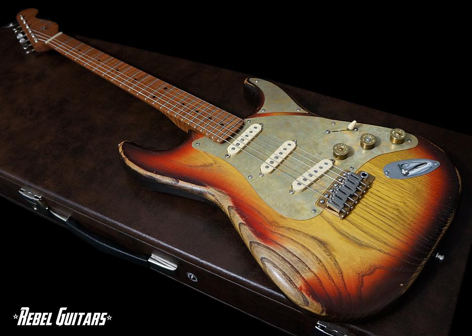 paoletti-guitar-stratospheric-sunburst-935-1